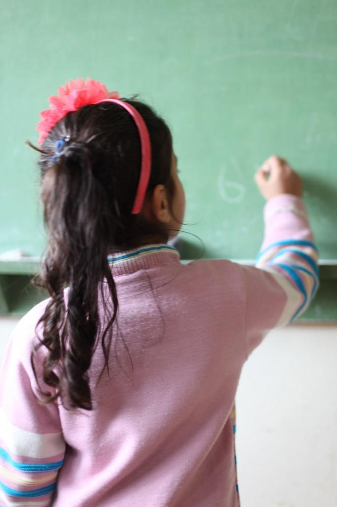 Enfant réfugiée syriens à l'école