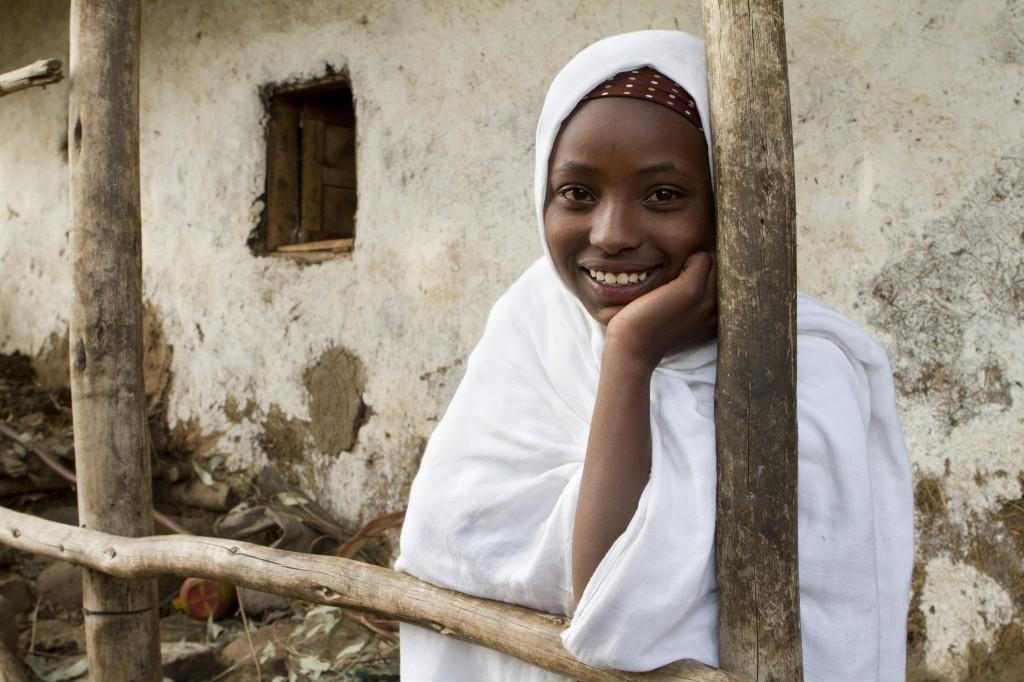 Lutte contre les violences aux jeunes filles