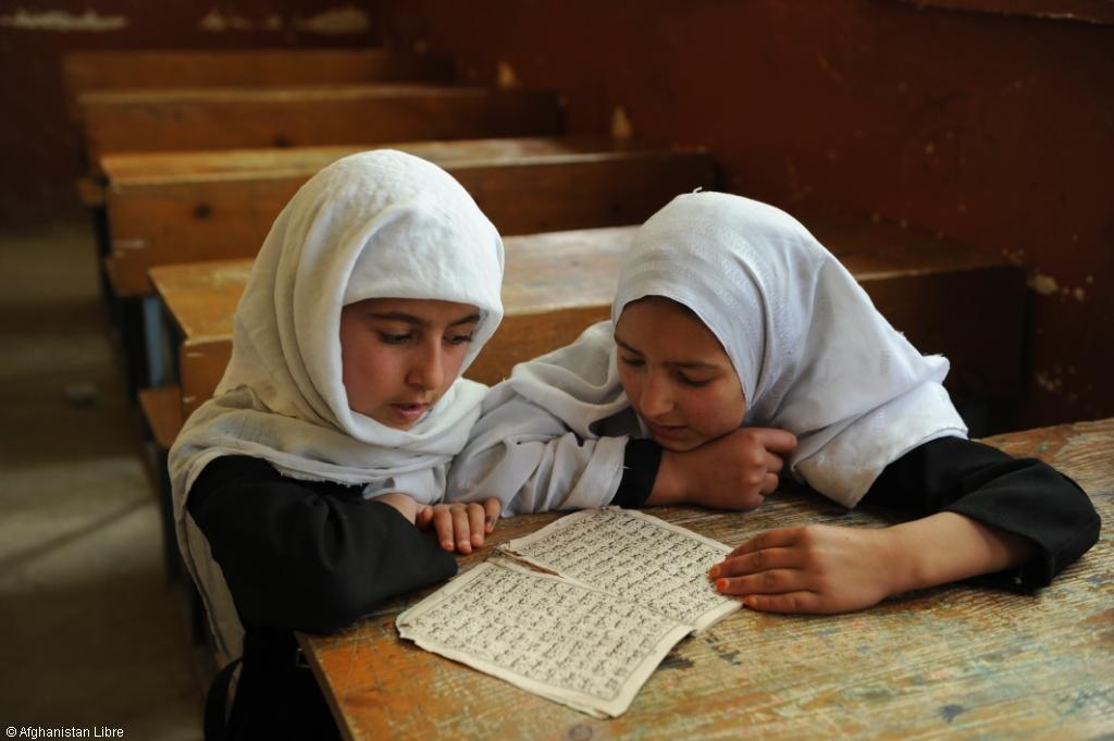 d fendons le droit l ducation des filles en afghanistan. Black Bedroom Furniture Sets. Home Design Ideas