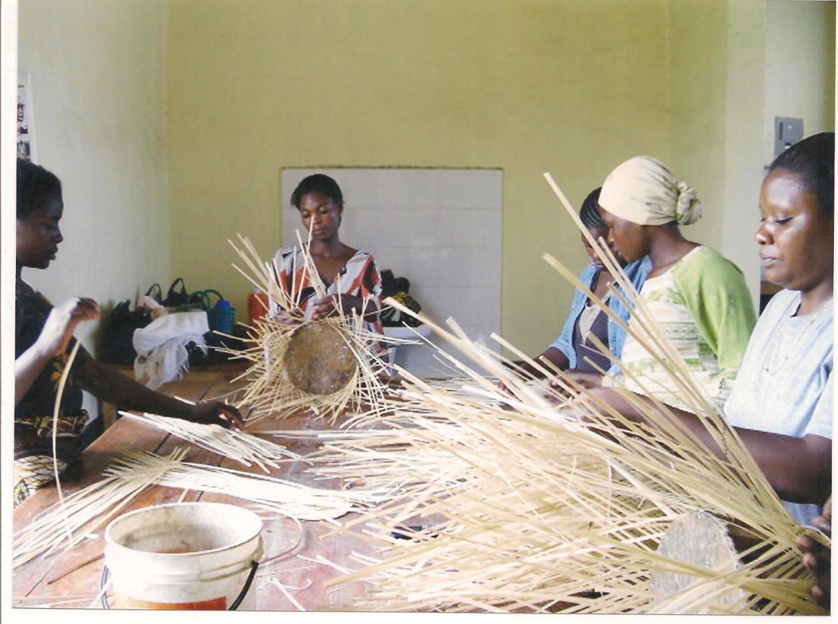 Women make handicrafts from bamboo