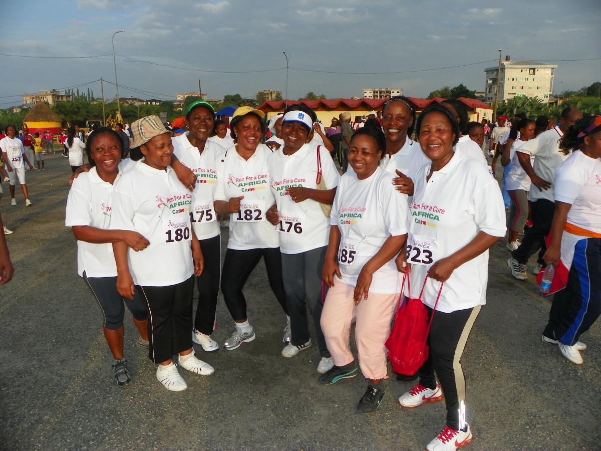 Participants après la course de Run For a Cure Africa
