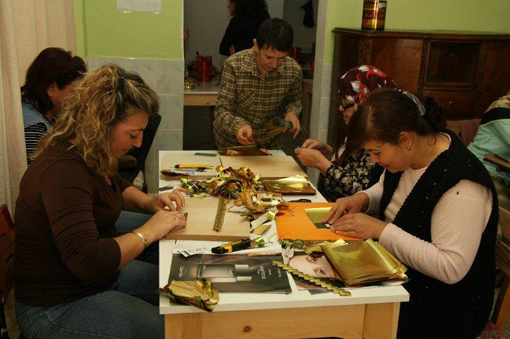 Women in Turkey benefit from employment in çöp(m)adam's workshop