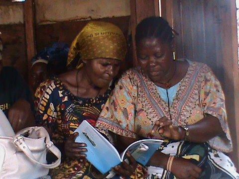 Le Collectif Alpha Ujuvi aide les femmes victimes de violences sexuelles en RDC à travers l'éducation