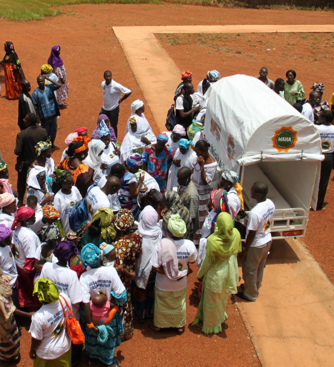 Une ambulance moto pour lutter contre la mortalité maternelle dans les zones rurales